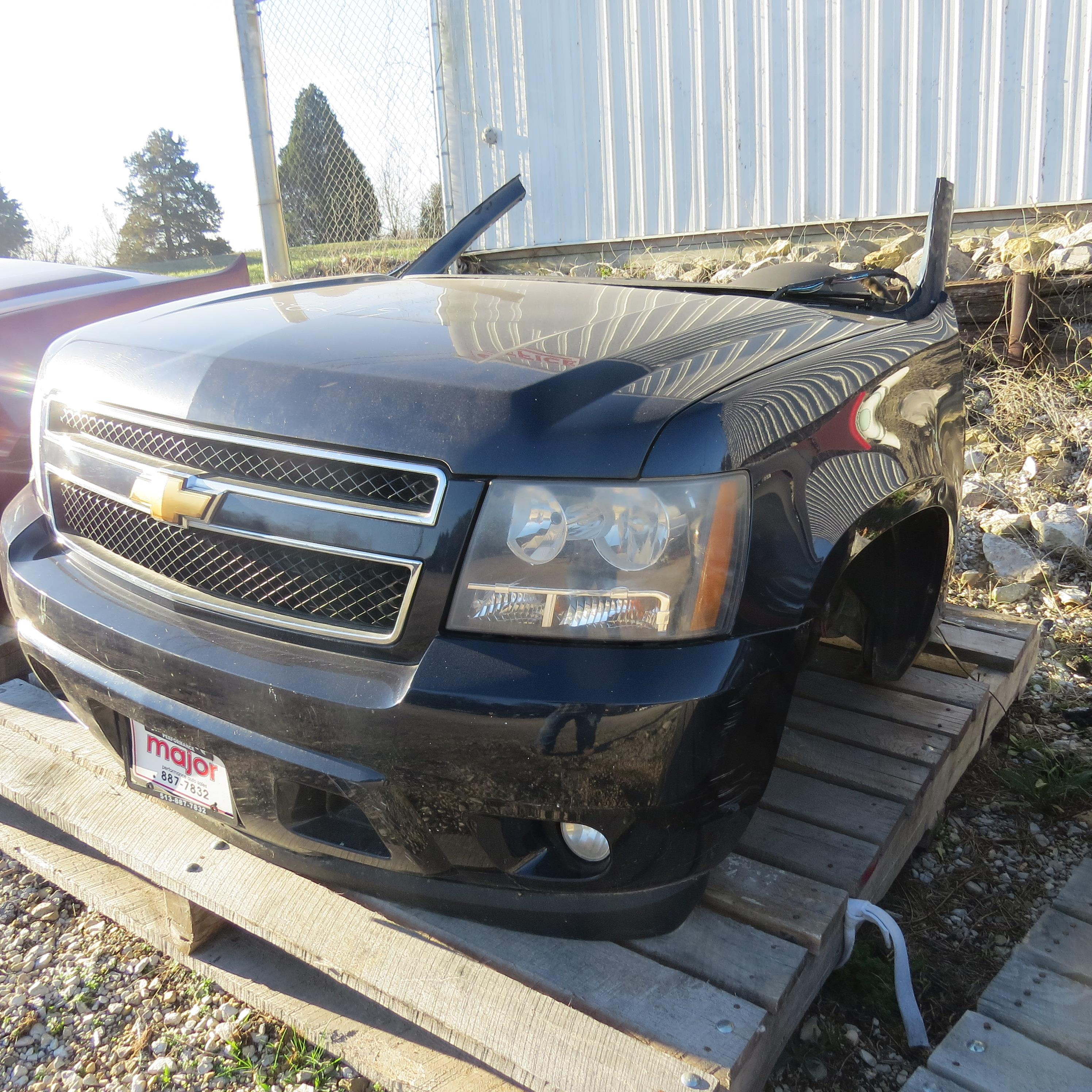 a handle chevrolet graphic on to chevy avalanche tailgate replace how
